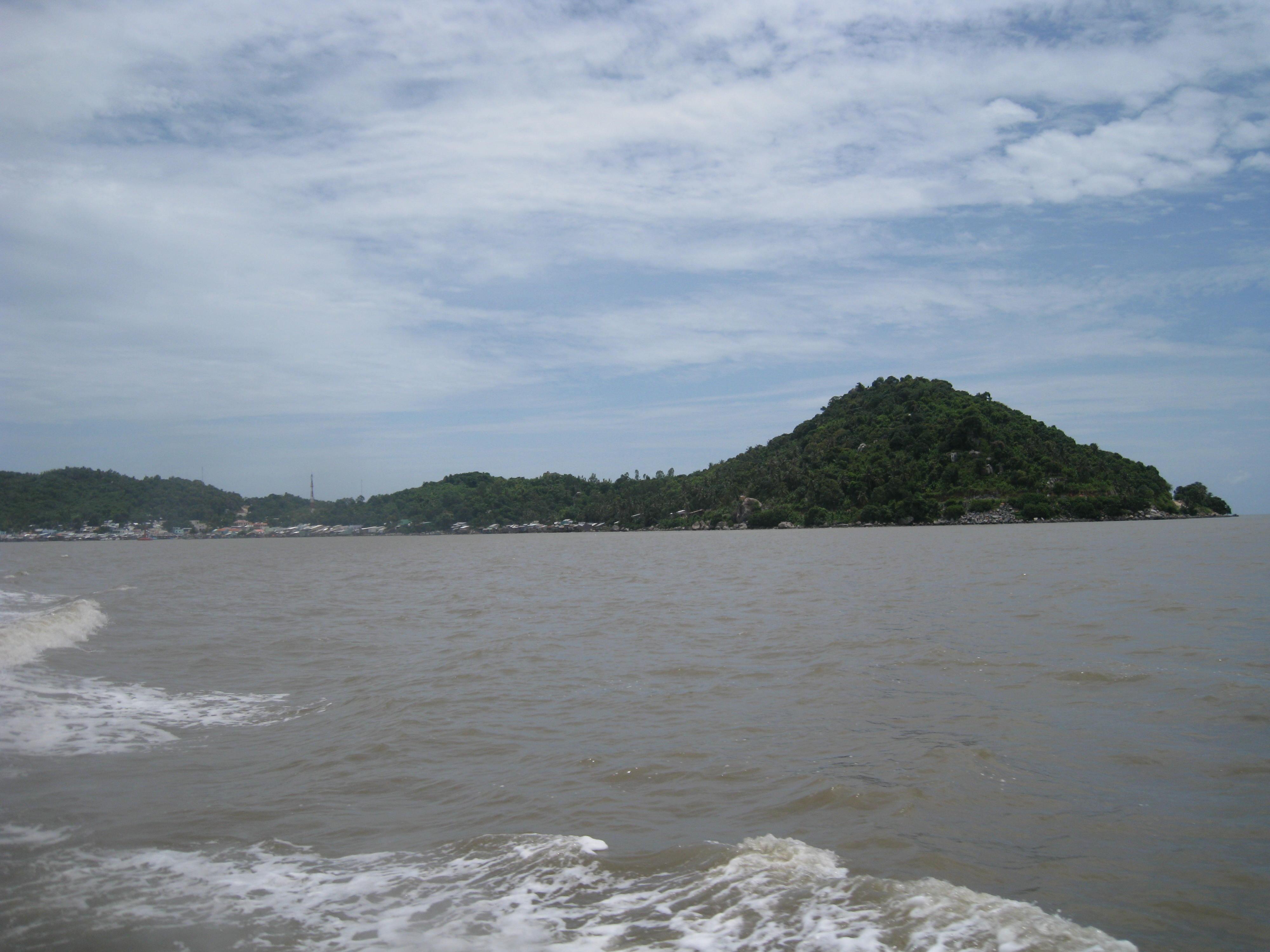 Hon Tre Island Hotels