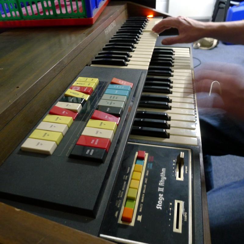 File:Hammond model 123 J3, with Stage II Rhythm jpg