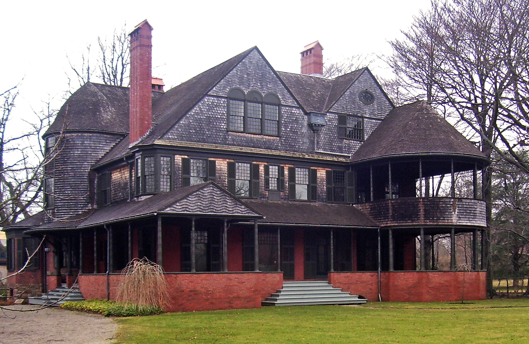 Isaac bell house wikipedia for Shingle style architecture
