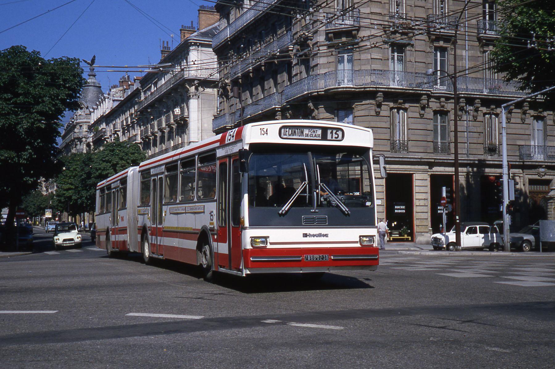 File:JHM-1980-1474 - Heuliez O 305 G - Grenoble.jpg