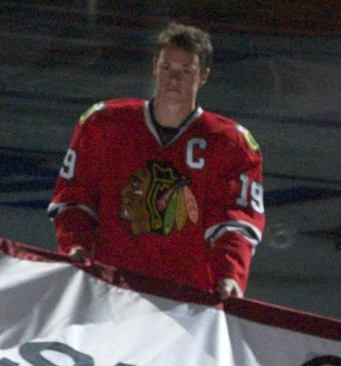 file jonathan toews chicago blackhawks stanley cup banner ceremony