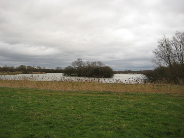 Linford Lakes - geograph.org.uk - 702416