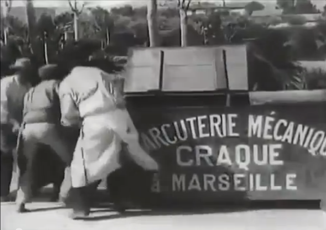 Risultati immagini per la charcuterie mécanique film 1895