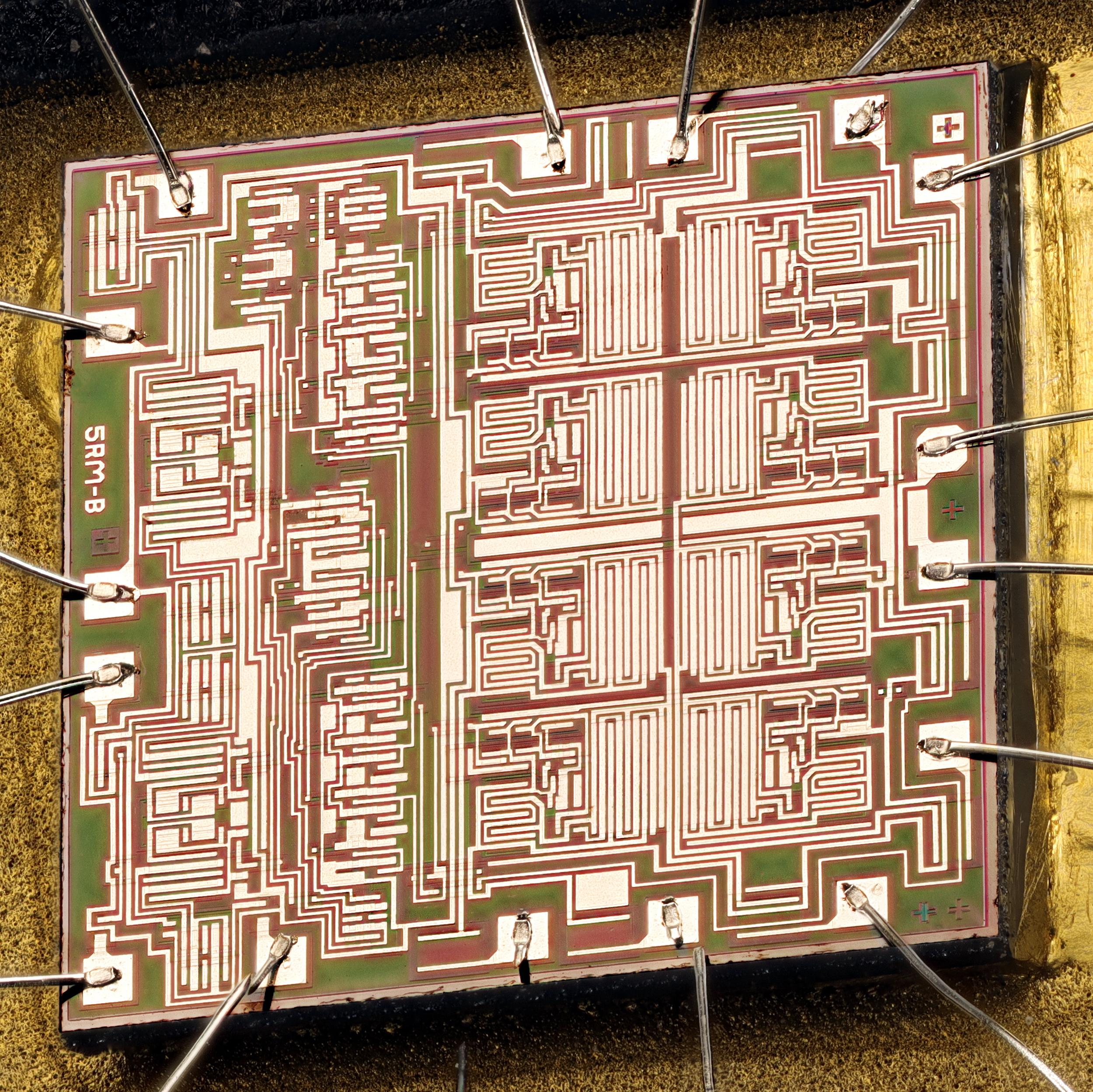 MC14053B_silicon_die.jpg