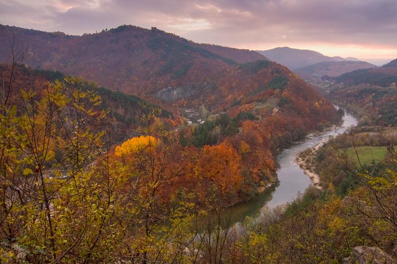 Meanders of Arda River, Bulgaria-Greece.jpg