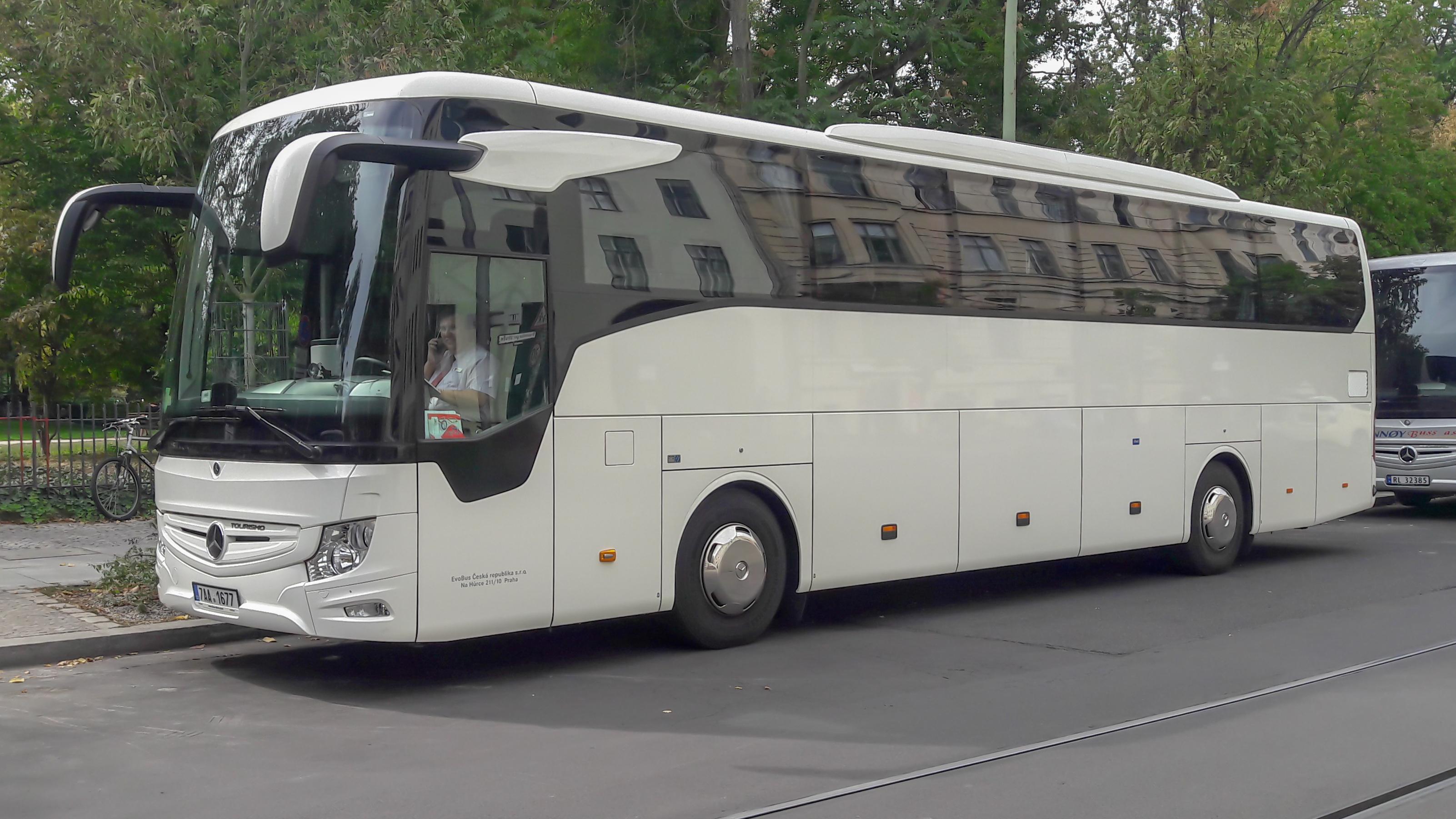 Datei Mercedes Benz Tourismo Berlin 20180910 131307 Jpg Wikipedia