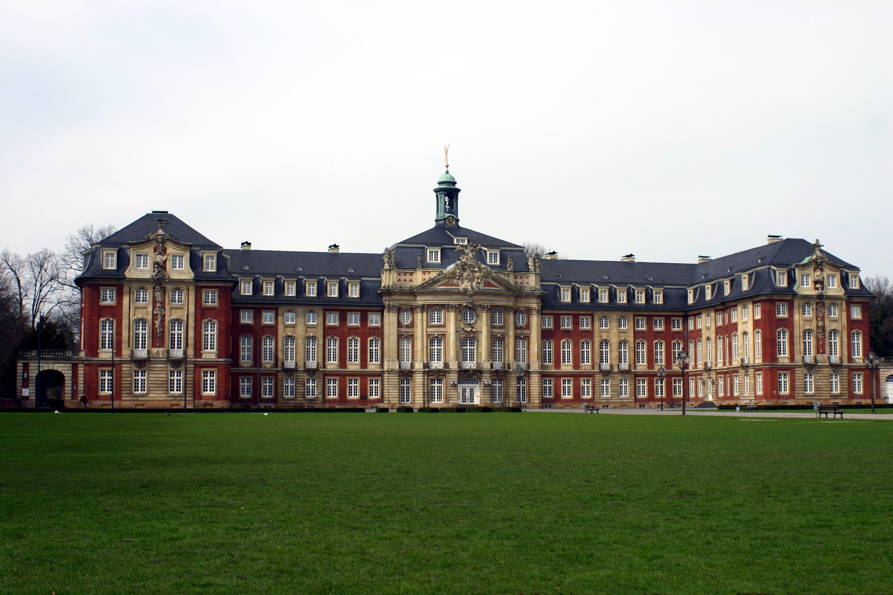 Muenster_Schloss_4256.jpg (3072×2048)