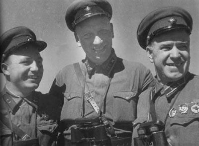 Г.К.Жуков (справа) во время боёв на Халхин-Голе