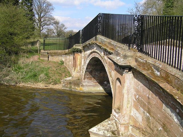 Paines Bridge, Chillington Pool - geograph.org.uk - 660804