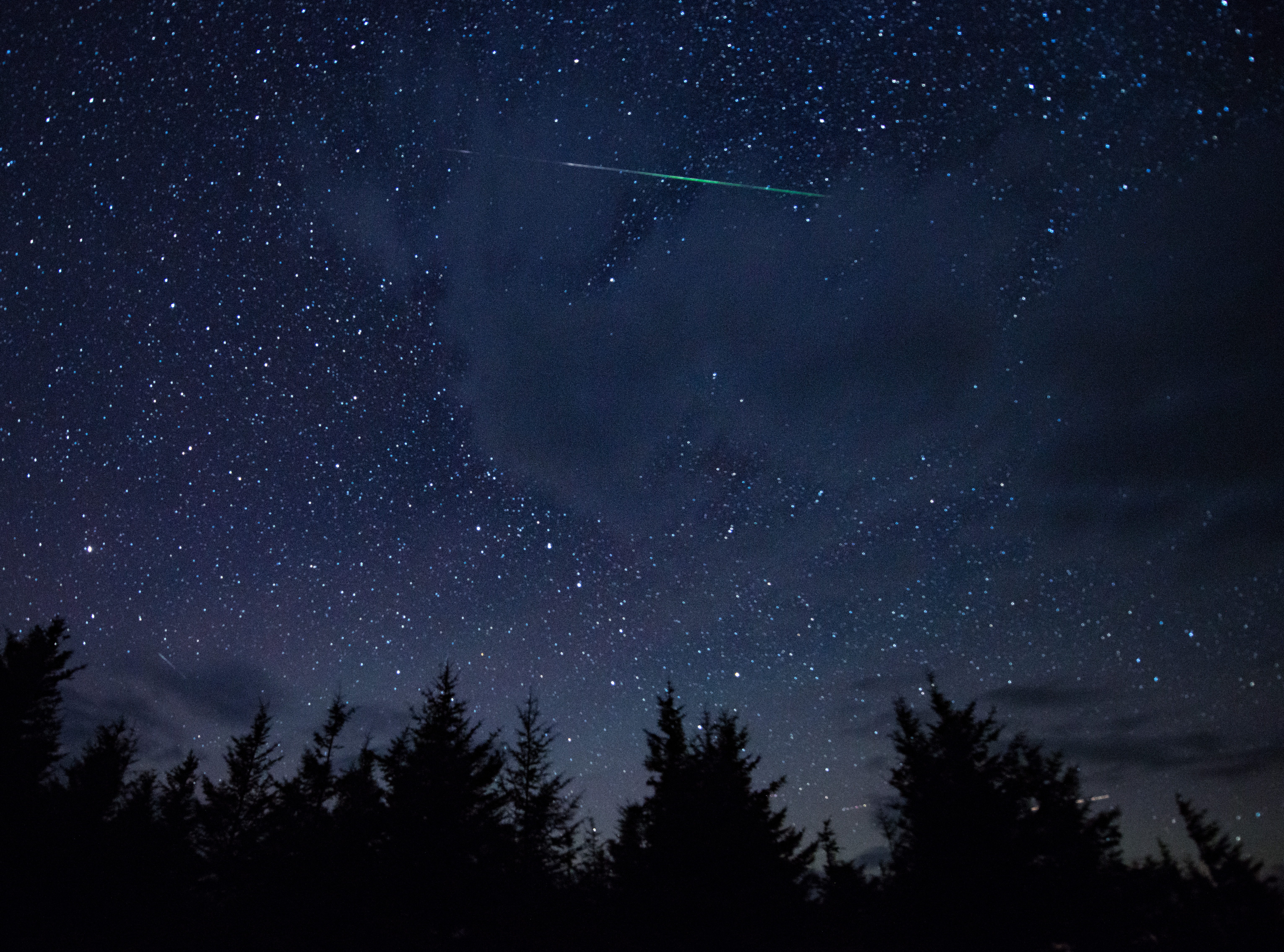 File:Perseid Meteor Shower (201508130002HQ).jpg ...