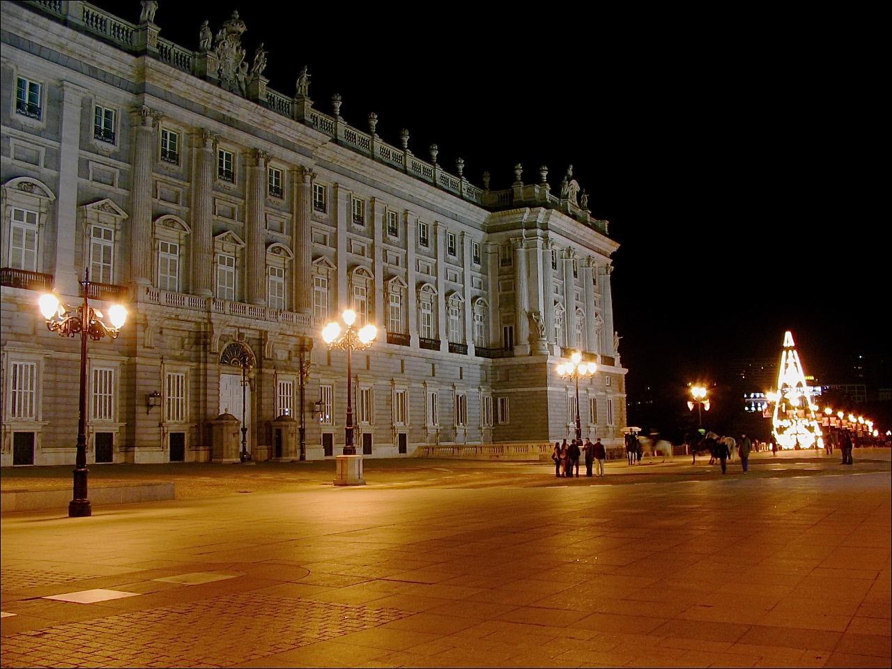 Description plaza de oriente madrid 07 jpg