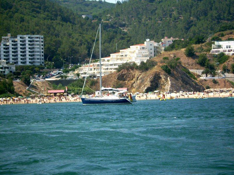 Image:Praia de Sesimbra.JPG