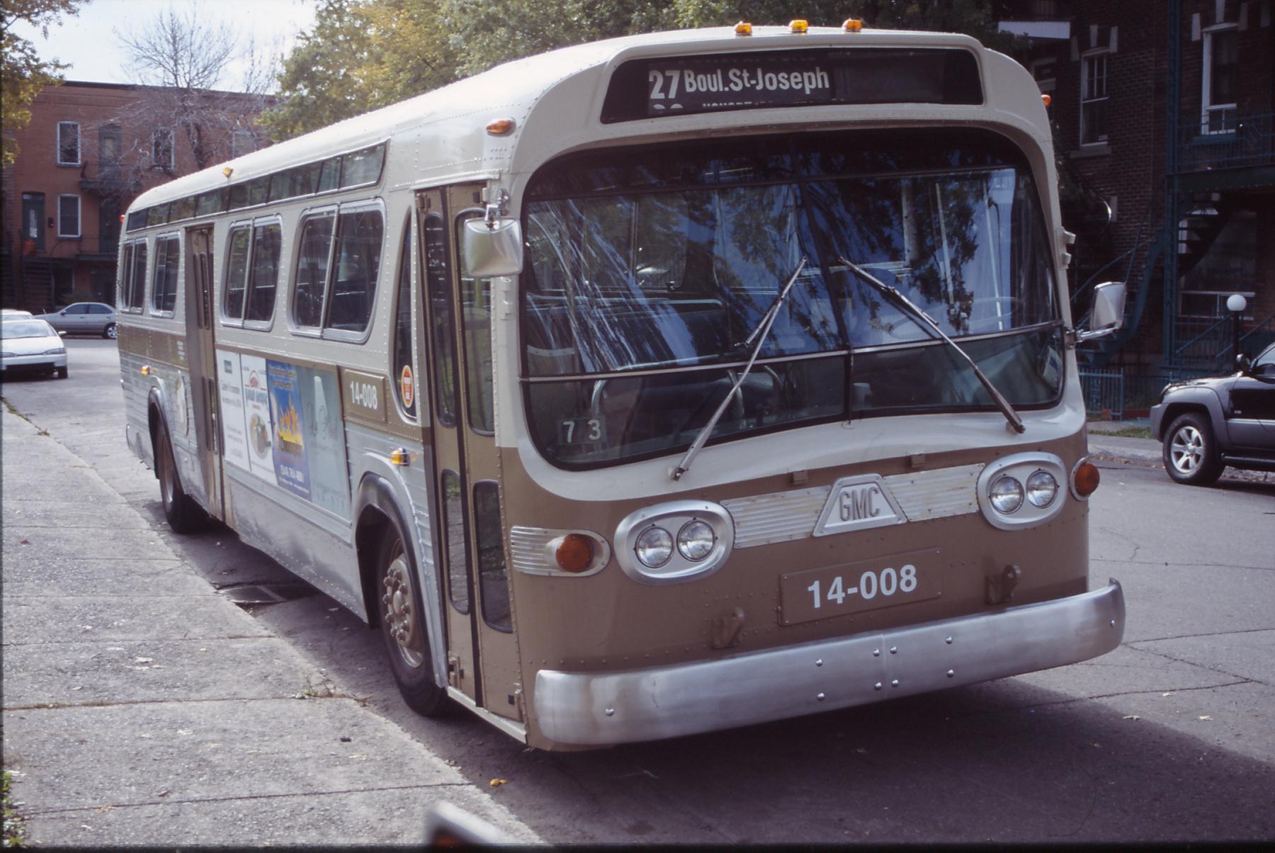 File:Restored Montreal CTCUM 1972 GMC New Look.JPG