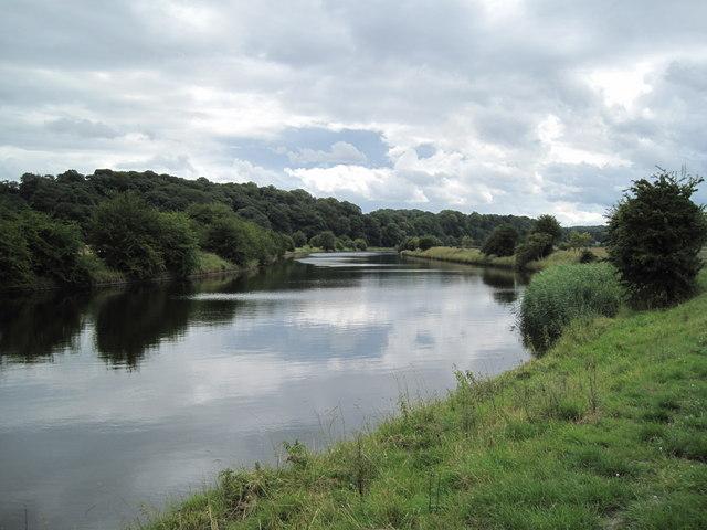 River Weaver near Frodsham - geograph.org.uk - 1388226