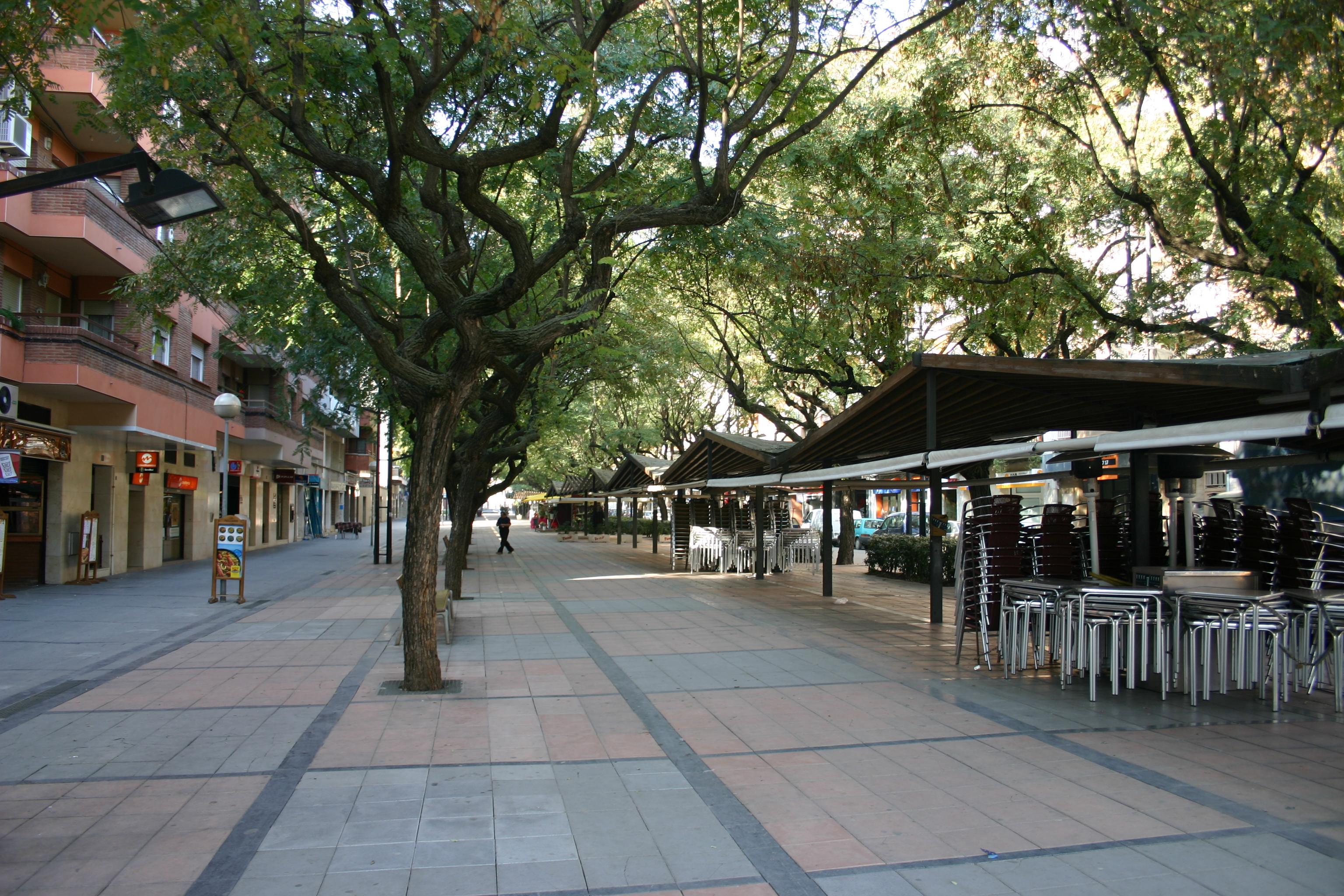 File spain catalonia viladecans ramblas jpg wikimedia for B b barcellona vicino ramblas