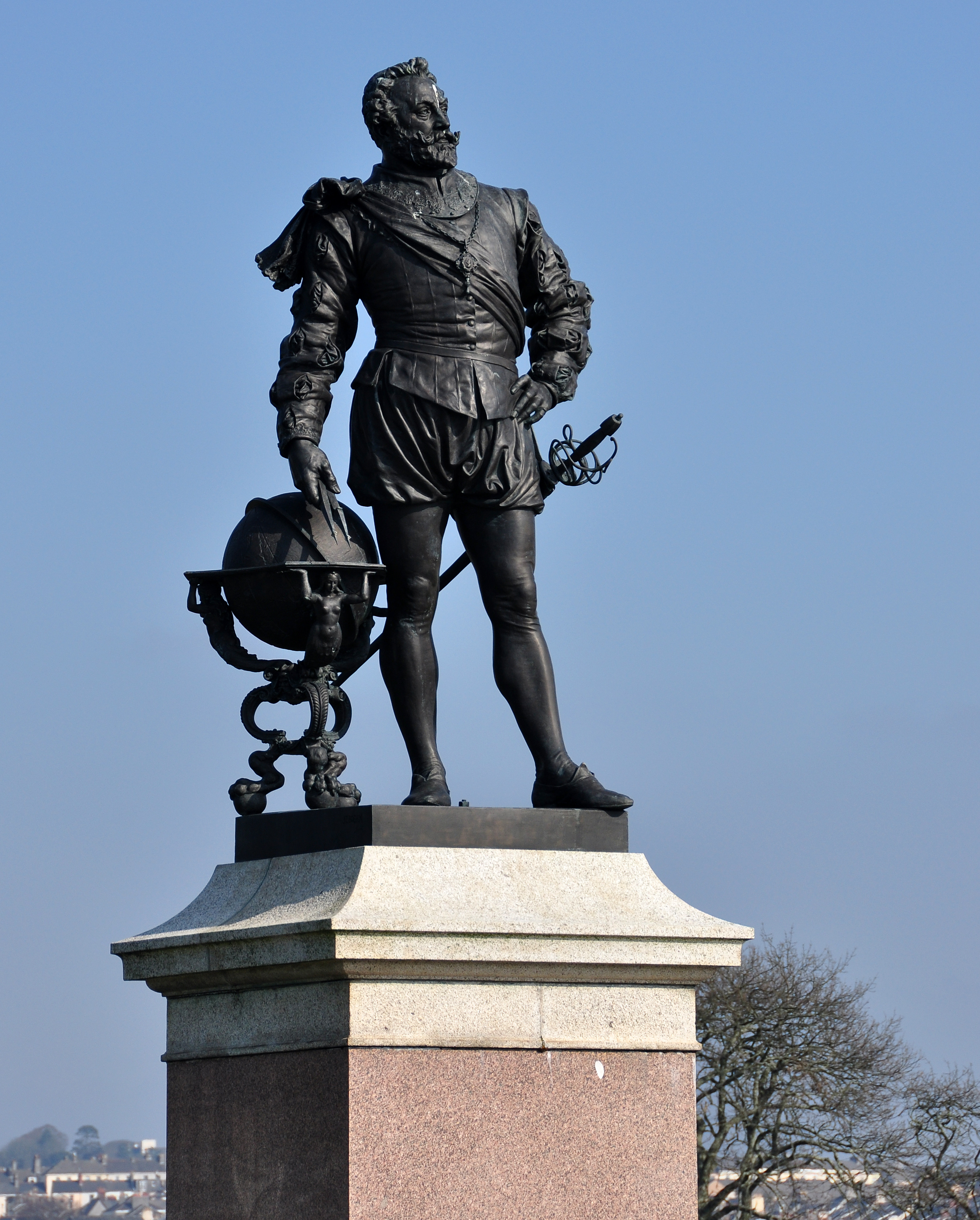 File Statue Of Drake Plymouth Hoe Jpg Wikimedia Commons