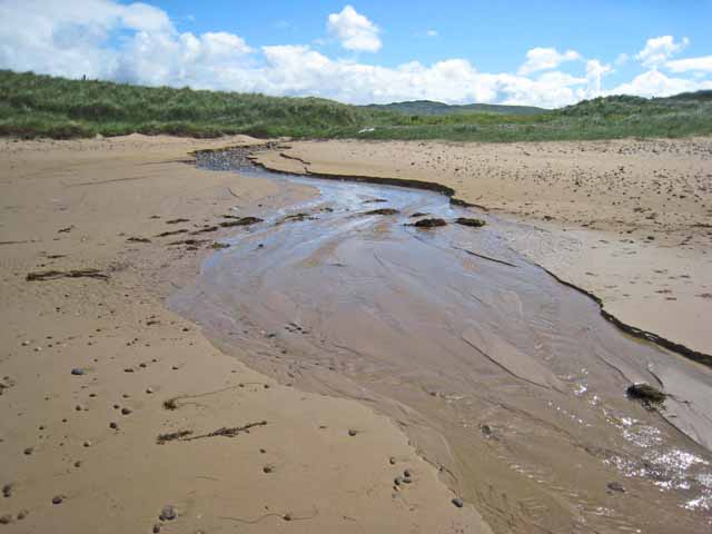 Stream on Machrihanish Beach - geograph.org.uk - 484758