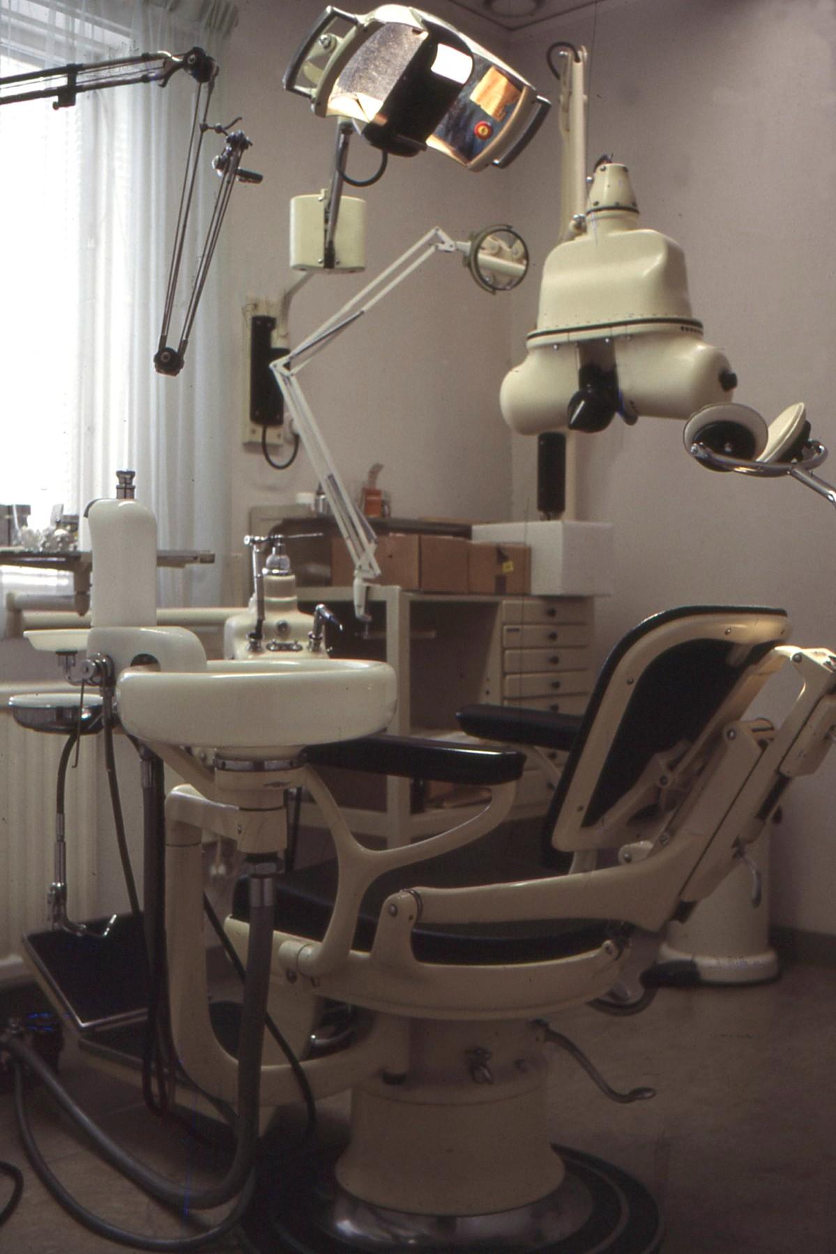 Bildresultat för tandläkarstol på 1960- talet