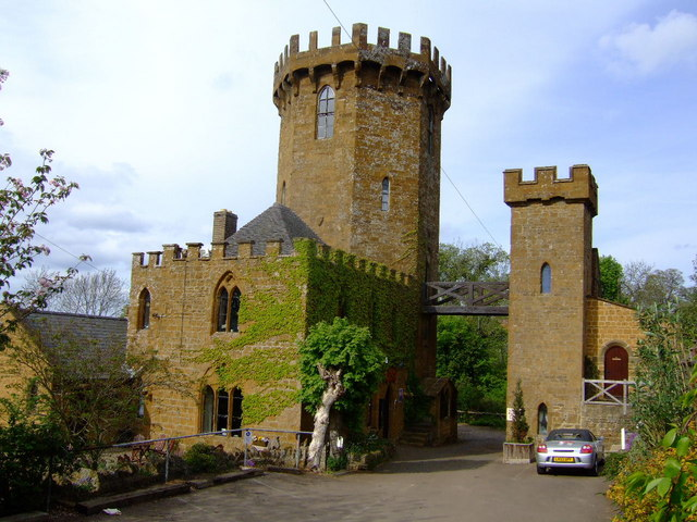 The Castle Inn, Edge Hill - geograph.org.uk - 418966