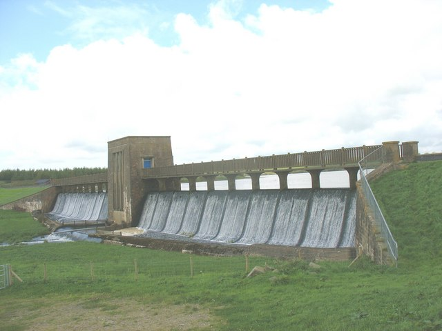 The Cefni Reservoir Dam - geograph.org.uk - 962495