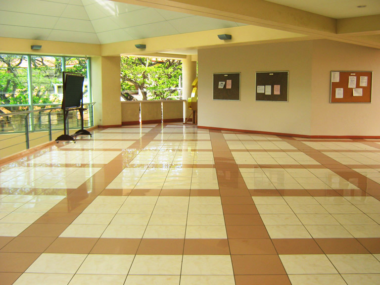 File:Third Floor Lobby, SU College Of Business Administration