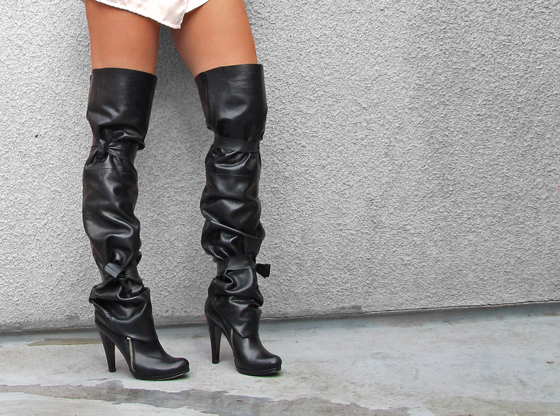 Ties-side-thigh-high-over-the-knee-tall- leather-boots-spats.jpg
