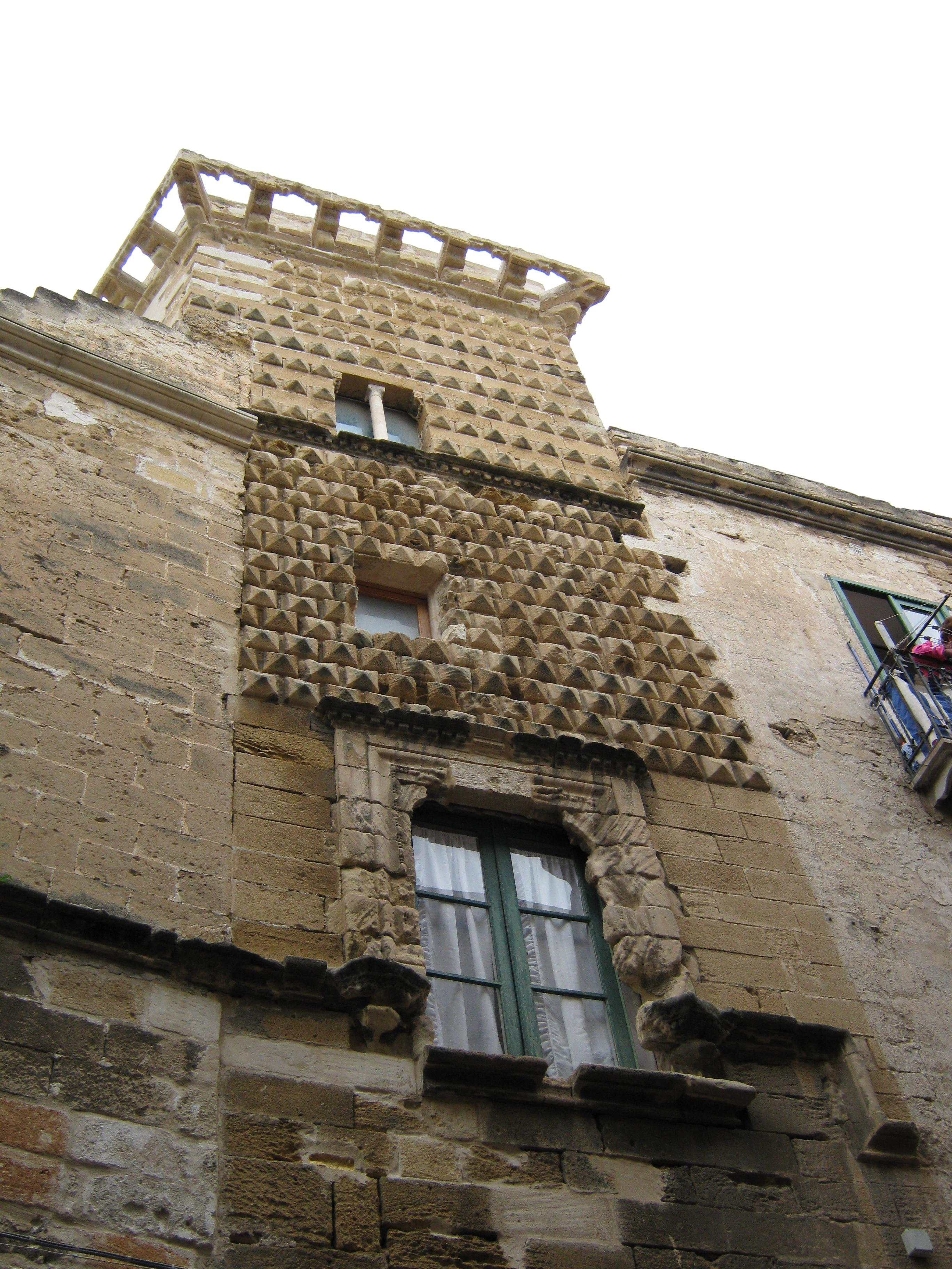 Trapani PalazzoGiudeccaB.JPG