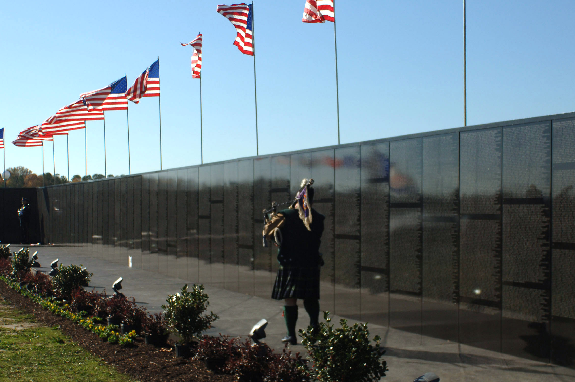 Vietnam Wall : Vietnam Veterans Memorial Wall