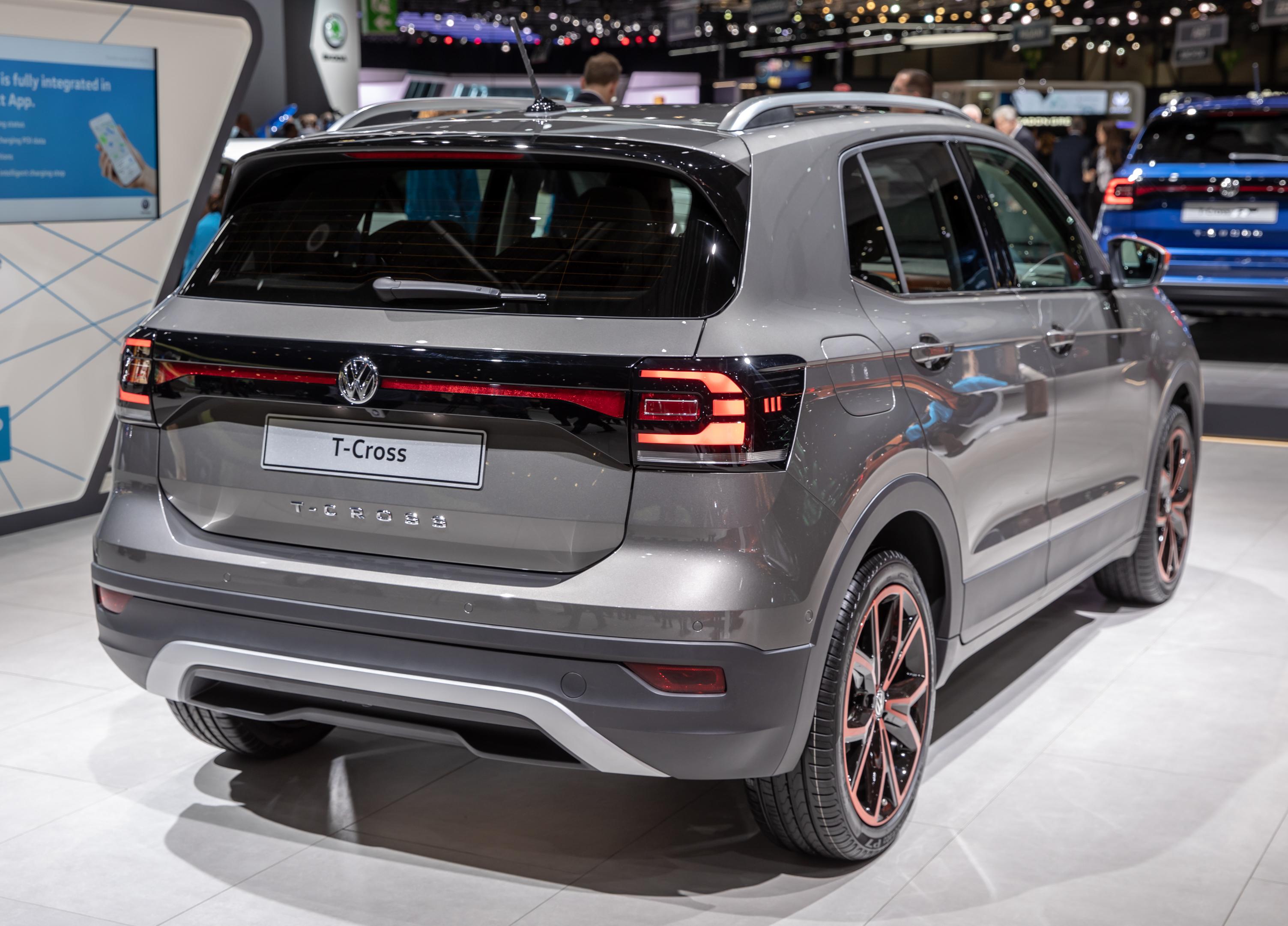 Fichier:Volkswagen T-Cross, GIMS 2019, Le Grand-Saconnex ...