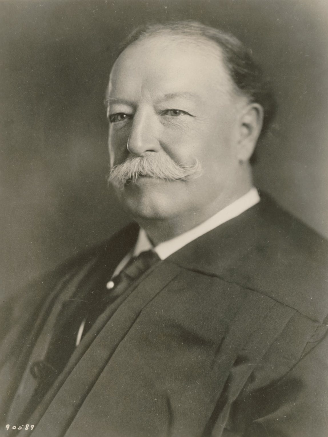 william taft William taft was the twenty-seventh president (1909-1013) and tenth chief  justice of the supreme court (1921-1930) taft was the only chief executive in  the.