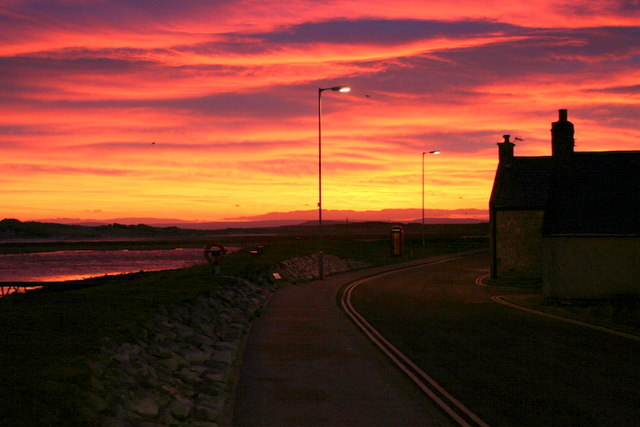 File:Winter sunrise over Seatown - geograph.org.uk - 1114417.jpg