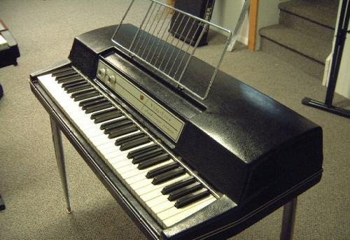 Les Claviers de Base Wurlitzer_200a