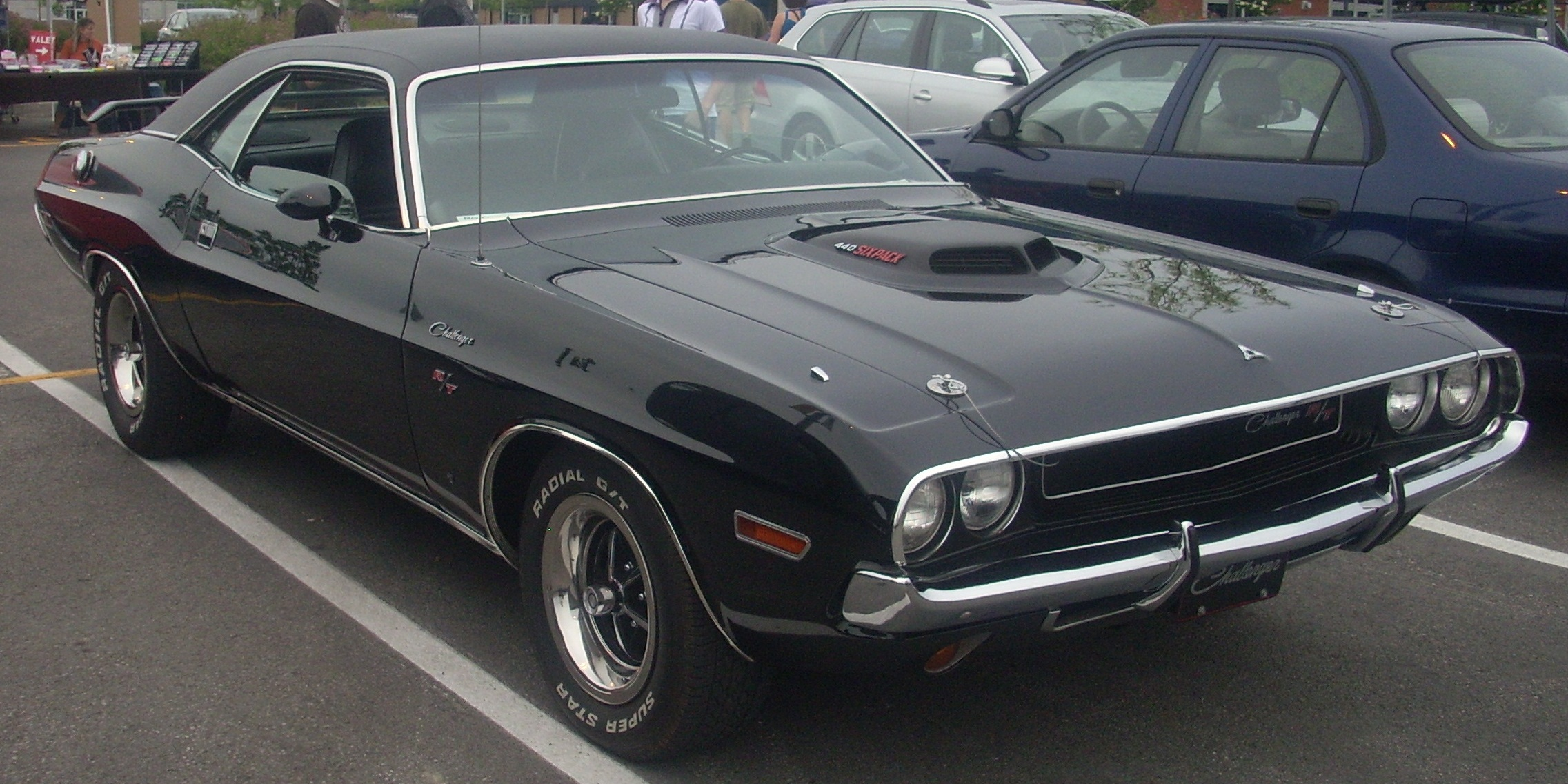 Srt Dodge Dart >> File:'70 Dodge Challenger R-T (Centropolis Laval '10).jpg - Wikimedia Commons