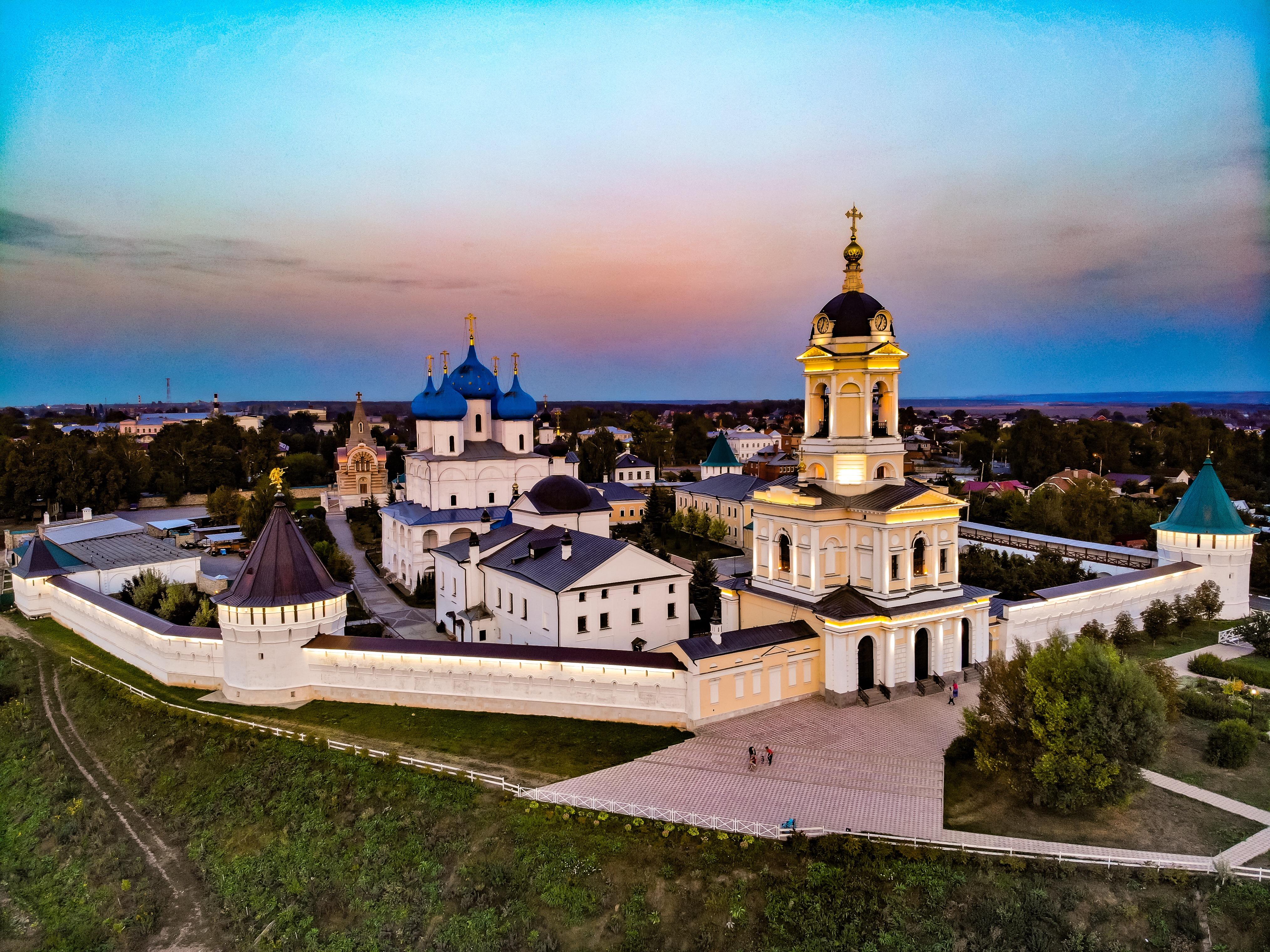 """Картинки по запросу """"высоцкий монастырь в серпухове"""""""