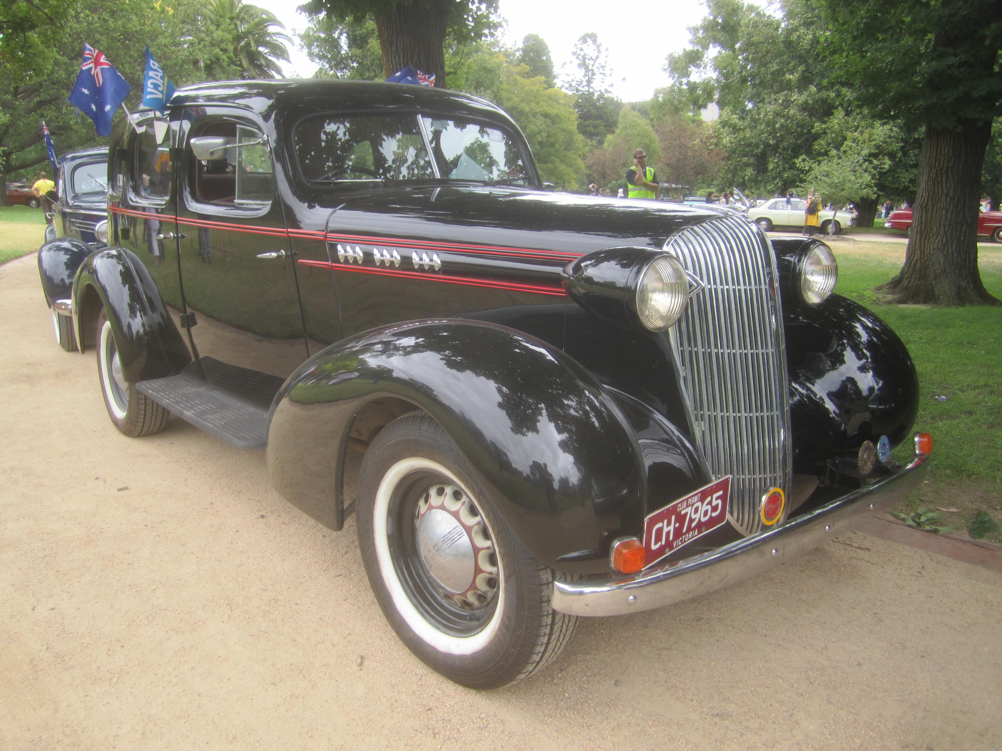 File 1936 oldsmobile f36 sedan 8518108286 jpg for 1932 oldsmobile 4 door