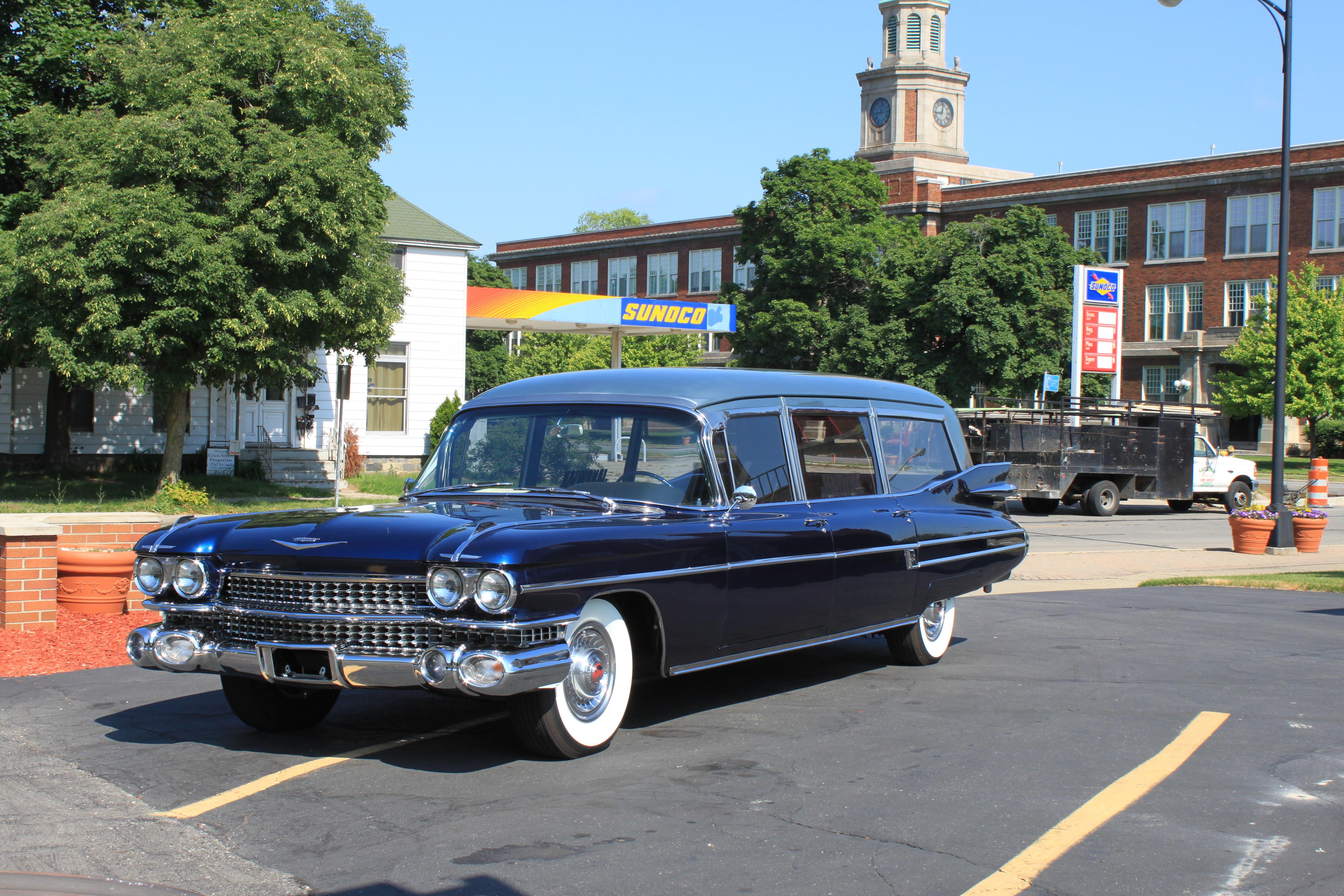 File:1959 Cadillac hearse Janowiak funeral home Ypsilanti Michigan.JPG - Wikimedia Commons