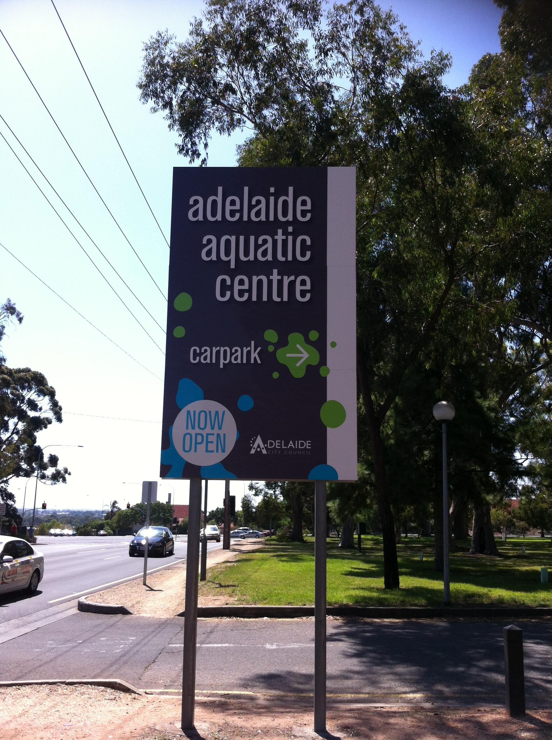 file adelaide aquatic centre sign jpg wikimedia commons. Black Bedroom Furniture Sets. Home Design Ideas