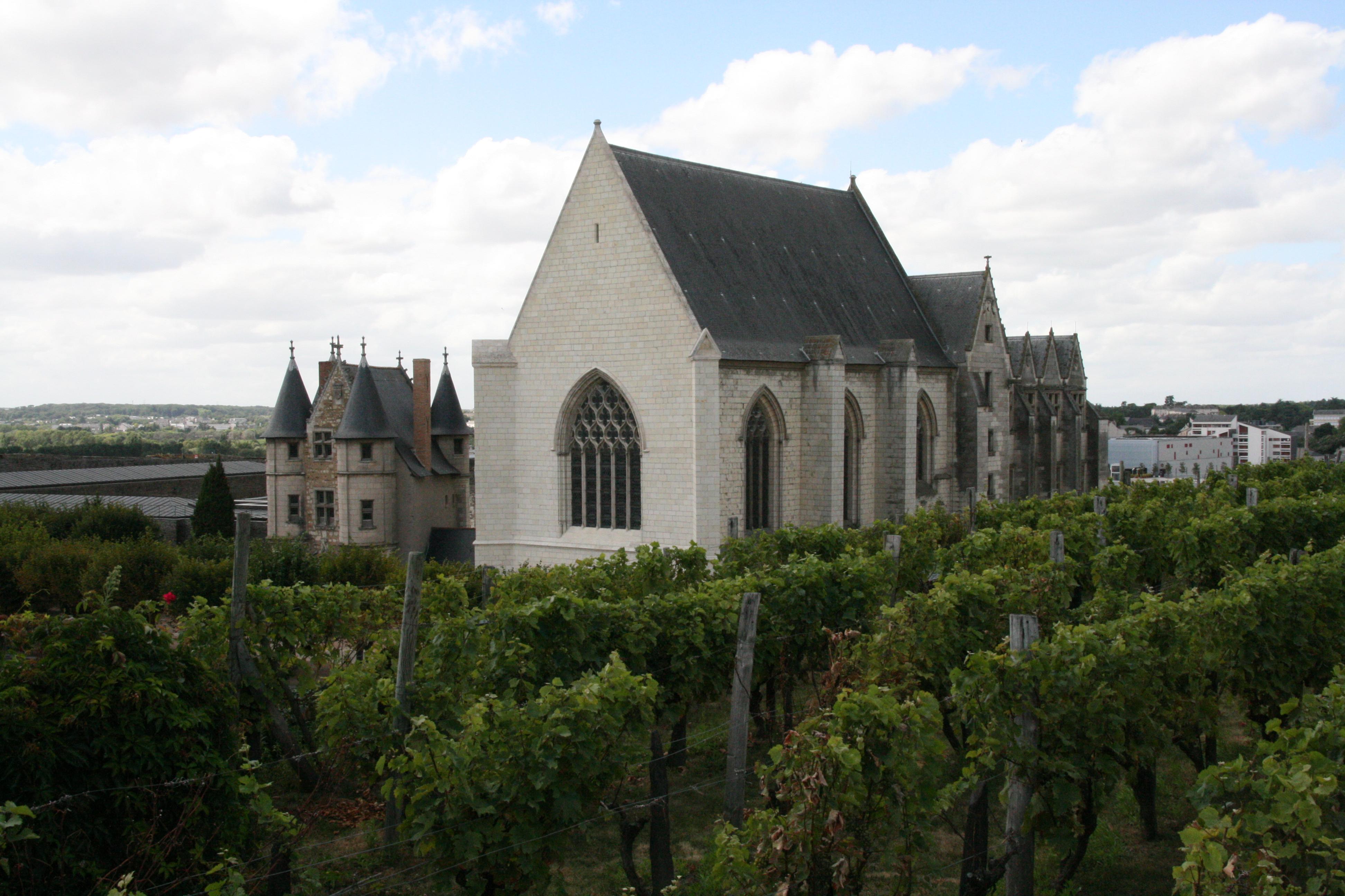 Анжер Angers_-_Ch%C3%A2teau_-_La_chapelle%2C_le_ch%C3%A2telet_et_les_vignes_-_20080921