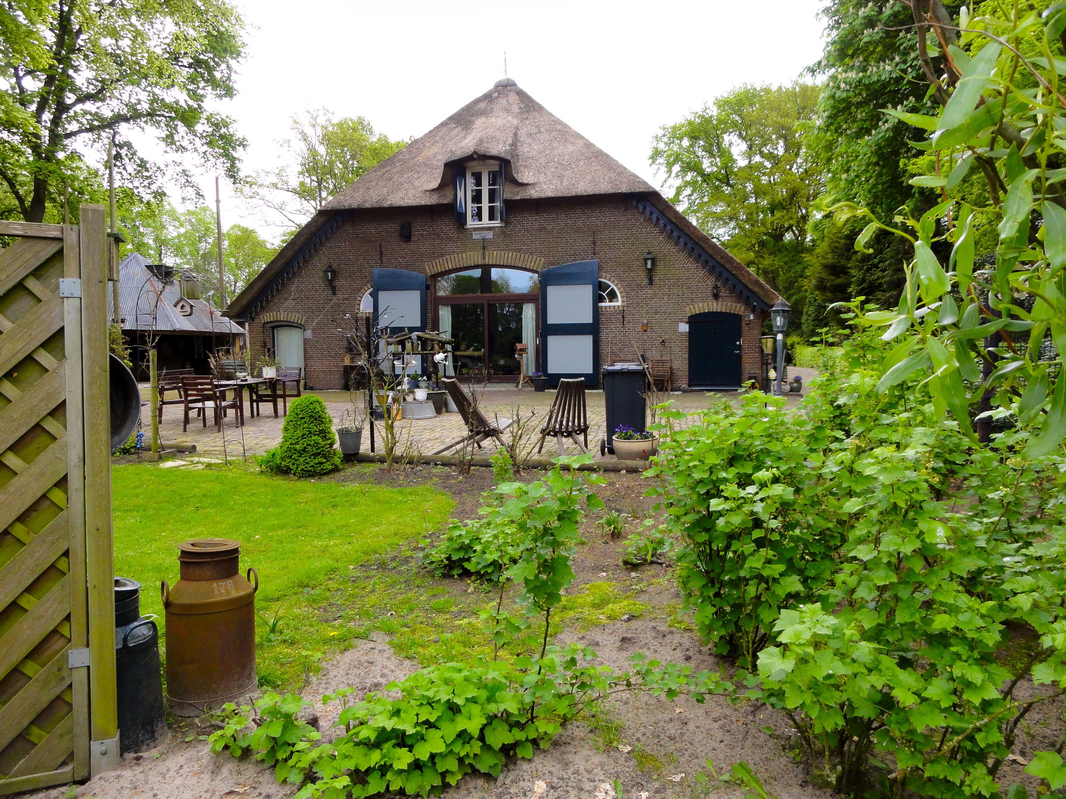 Huis morren boerderij aan linkerkant in oosterwolde gld monument - Fotos van huis ...