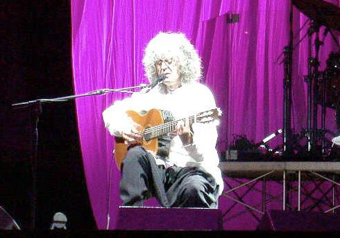 Angelo Branduardi en concierto. Nápoles, Italia.