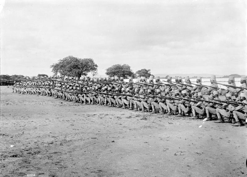 File:Bundesarchiv Bild 105-DOA0802, Deutsch-Ostafrika, Schutztruppe.jpg