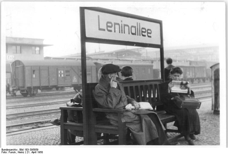 file bundesarchiv bild 183 s95859 berlin ehem bahnhof landsberger wikimedia commons. Black Bedroom Furniture Sets. Home Design Ideas