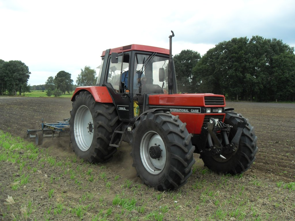 File:Case IH 1056 XL.jpg