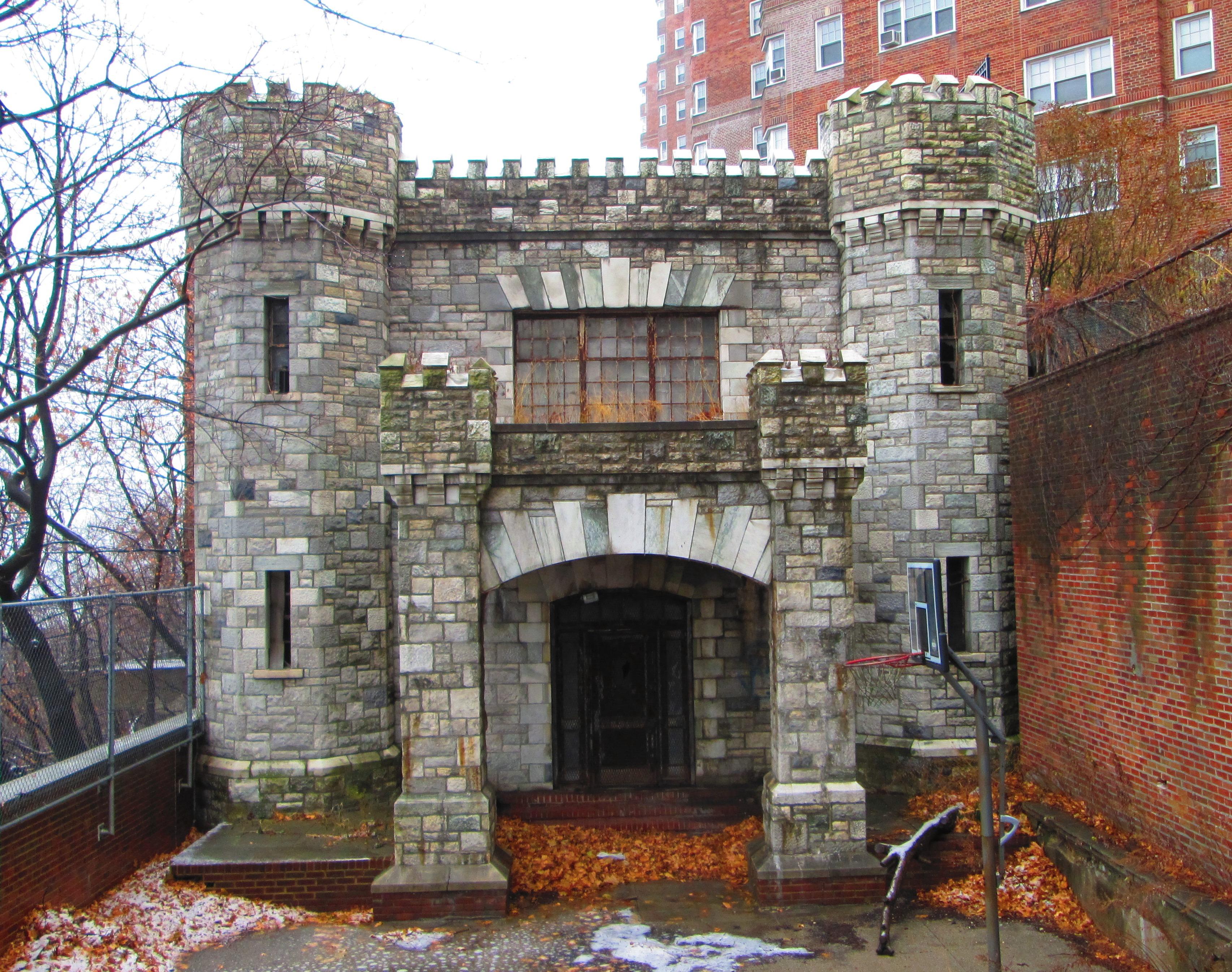 Pelham Gardens Apartments