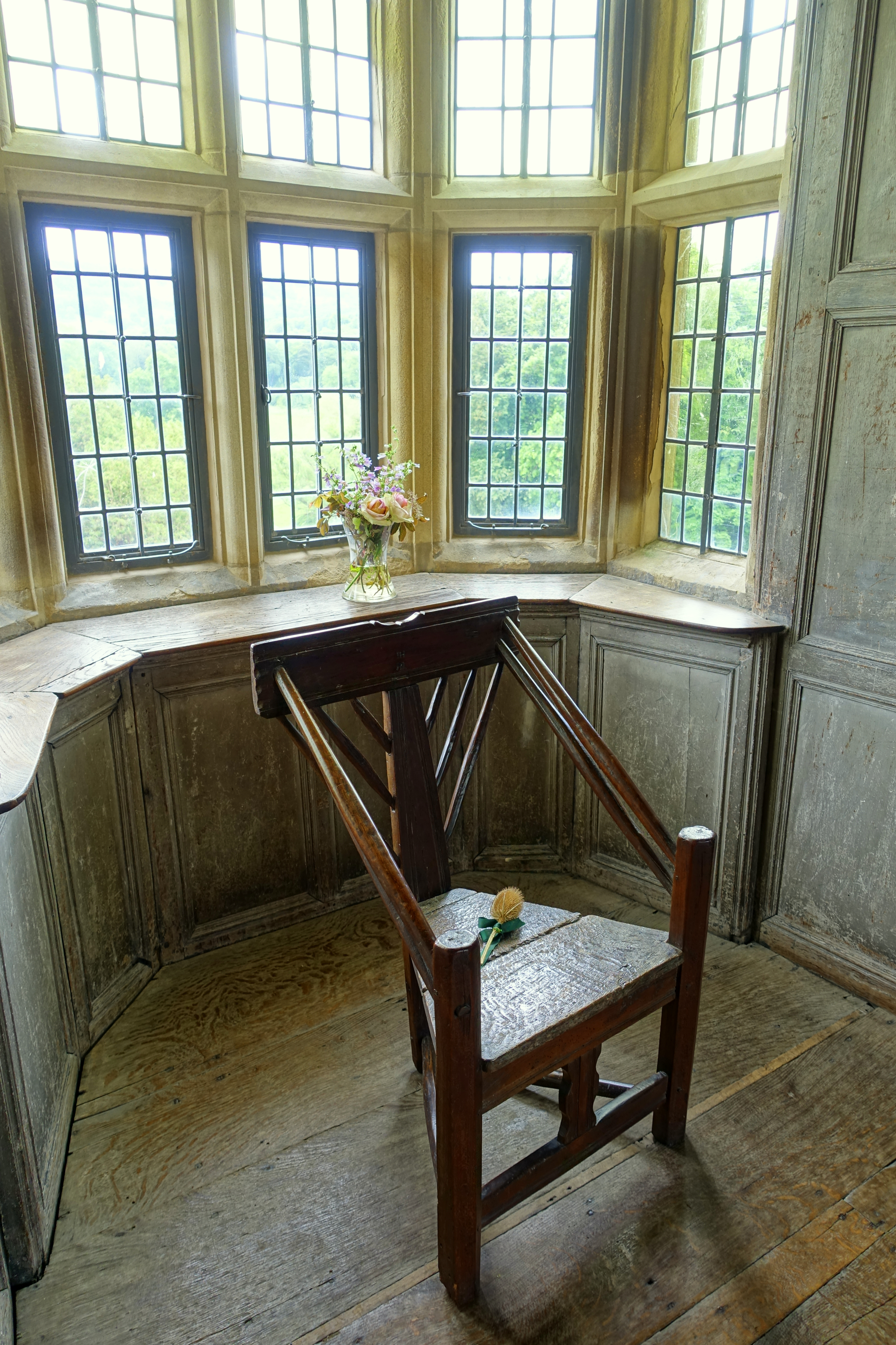 File:Chair by window - Earl\'s Apartments, Haddon Hall - Bakewell ...