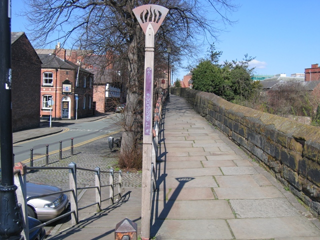 Chester's City Walls - Bridgegate to Eastgate ^10 - geograph.org.uk - 375008