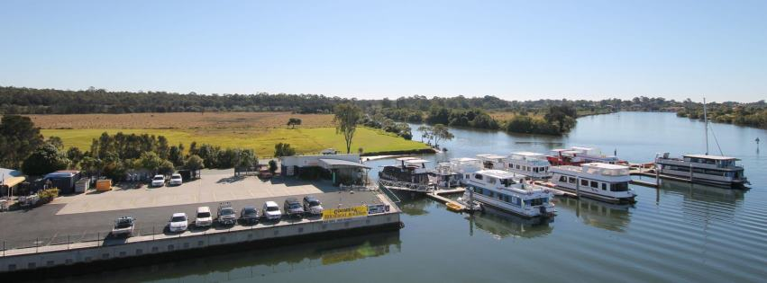 Coomera Houseboat Holidays on the Coomera River, Gold Coast
