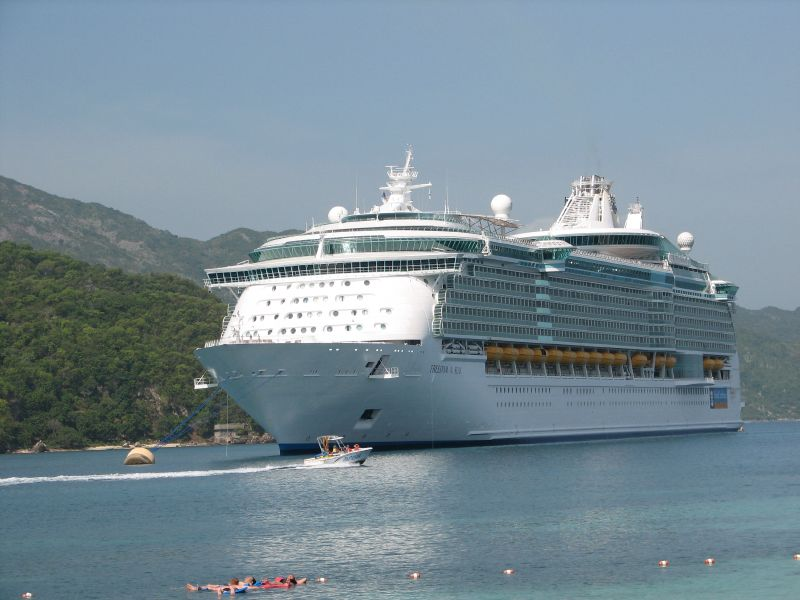 File:Cruise ship Labadee Haïti.jpg