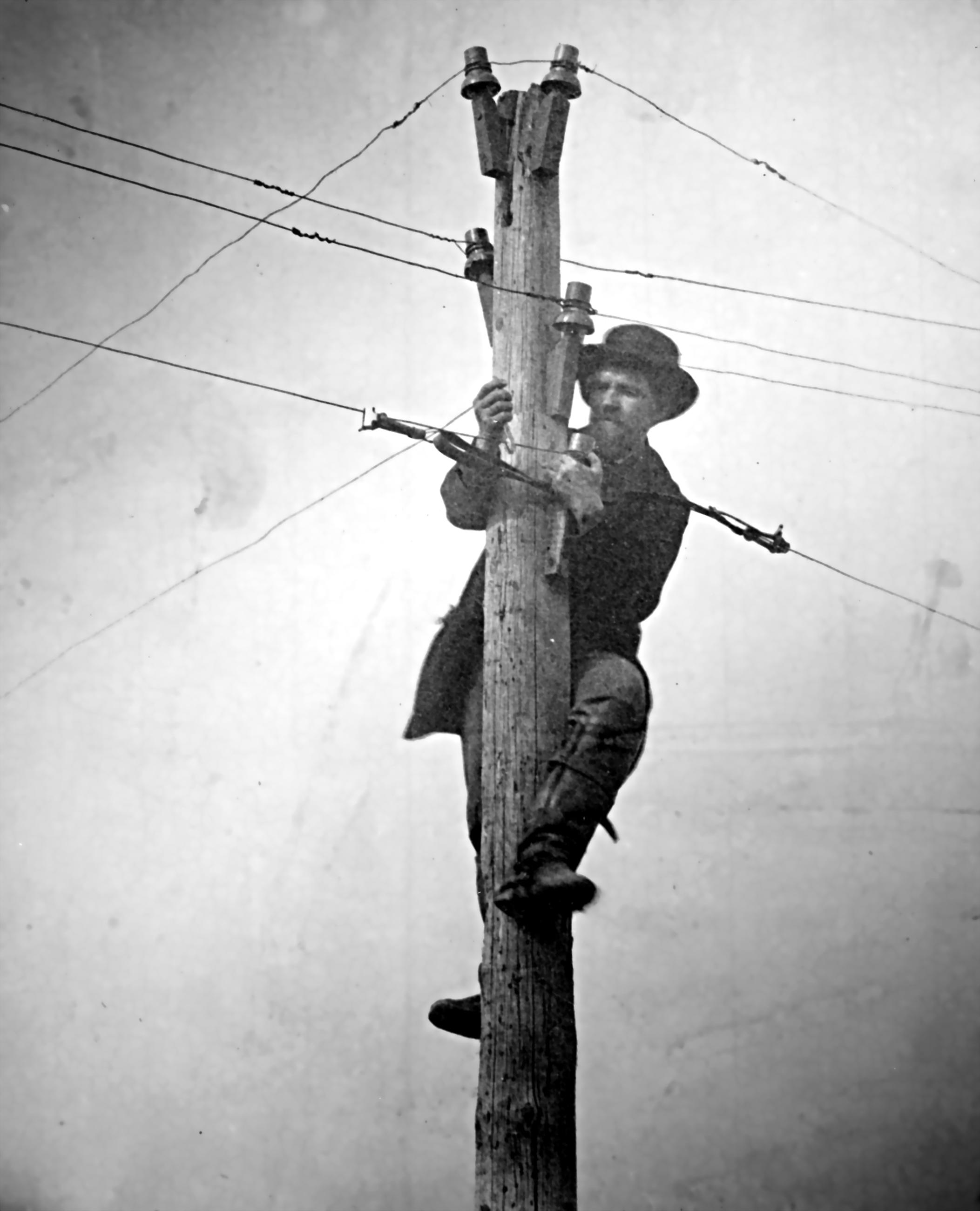 File:Cutting telegraph wire (restored).JPG - Wikimedia Commons