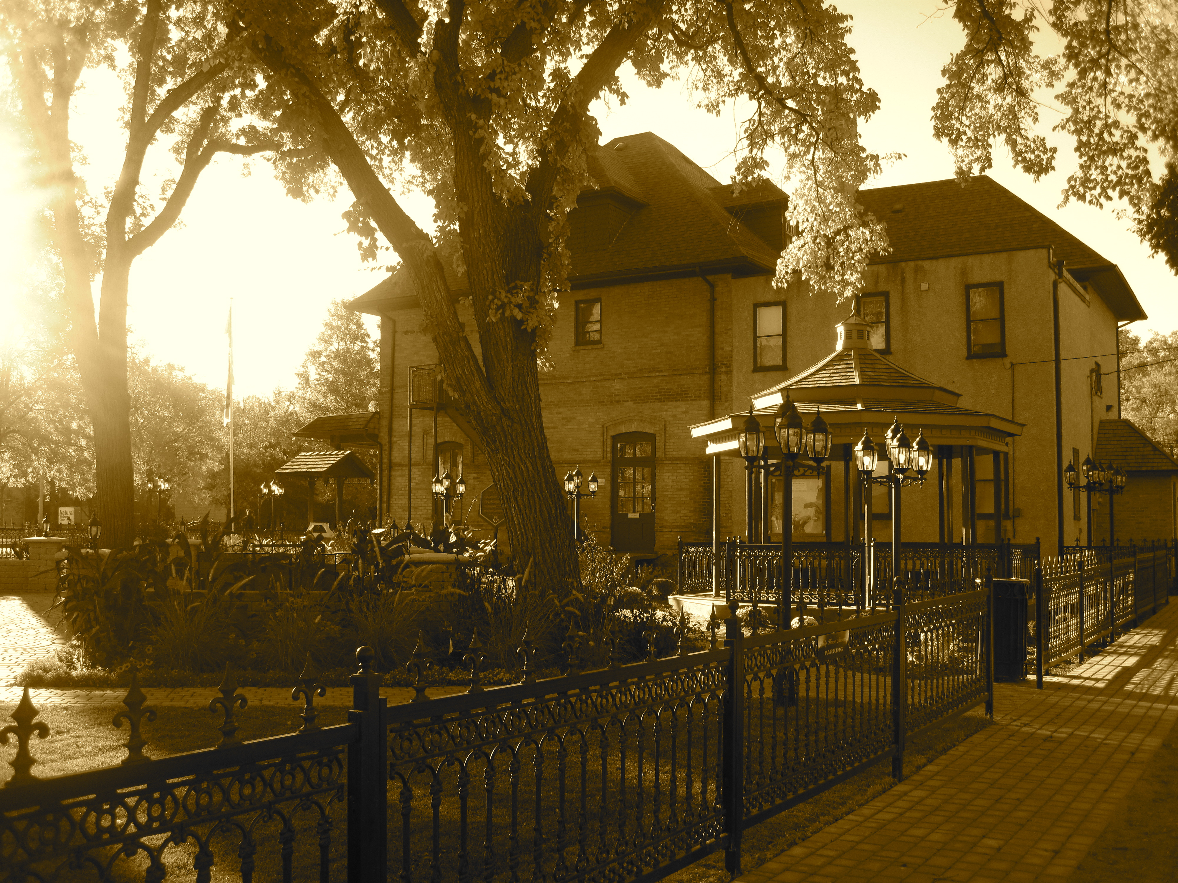 File Daly House Museum Morning Jpg Wikimedia Commons